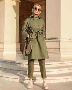 Office Look Women Simple Hijab Casual, Simple Hijab, Ootd Hijab, Hijab Dress, Street Hijab Fashion, Modern Hijab Fashion, Fashion Outfits, Office Outfits Women Casual, Casual Office