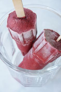 AIP Blackberry Basil Popsicles from healingfamilyeats.com. I can have everything in these!!