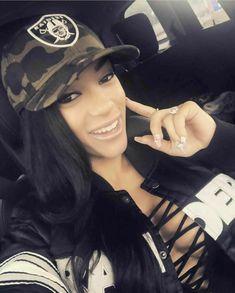 Nfl Raiders, Raiders Girl, Oakland Raiders Football, Raiders Vegas, Raiders Cheerleaders, Sports Team Apparel, Female Football Player, Raiders Wallpaper, Chola Style