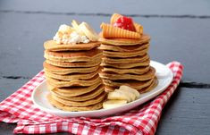 Saftige bananpannekaker Snacks, Cooking, Breakfast, Food, Kitchen, Morning Coffee, Appetizers, Essen, Meals