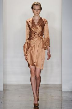 Costello Tagliapietra Spring 2012 Ready-to-Wear Fashion Show - Karo Mrozkova