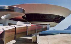 Oscar Niemeyer, spacey architecture, round shapes