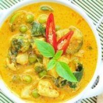 Kip, Zoete Aardappel, Linzen En Kokos Curry recept |Knoflook, kurkuma en koriander toevoegen voor extra smaak