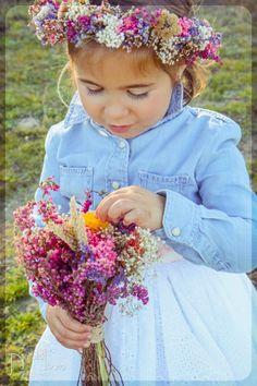 Ramo y corona de flores secas