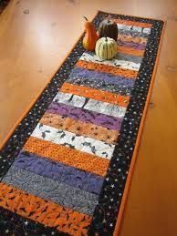 image result for table runner pineapple quilt quilting halloween rh pinterest com