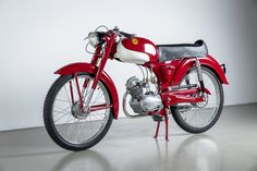 THIS VINTAGE 1961 DEMM UNIFICATO 50 IS DRIPPING IN STYLE #vintagemotorcycles