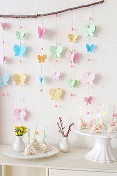 decoração com borboletas para chá de fralda