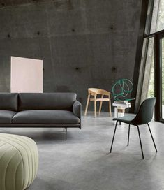While founded more than a century apart, Maharam and Muuto are driven to deliver new perspectives while embracing their design heritage. Nordic Furniture, Luxury Furniture, Living Room Interior, Living Room Decor, Modern Interior, Interior Design, Canapé Design, Design Trends, Modern Office Design