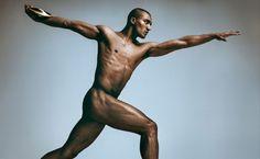 """""""Bodies We Want"""" 2012 Ashton Eaton Idade: 24 anos. Ocupação: atleta de decatlo. Os parâmetros do corpo: altura - 1,80 m, peso - 83 kg."""