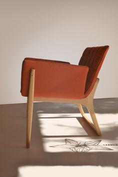 Mid Century Modern Christmas. Mandarine, easy chair designed by Claudia&Harry Washington, inspires a vintage Christmas! Isn't it lovely?