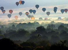 im so obsessed with hot air balloons