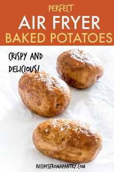 If you haven't made a baked potato in the air fryer, you are seriously missing out! Air Fryer Baked Potatoes turn out light and fluffy inside, with a perfectly crispy skin on the outside. Load them up with your favourite toppings for total baked potato pe Air Fryer Recipes Potatoes, Air Fryer Baked Potato, Air Fryer Oven Recipes, Air Frier Recipes, Air Fryer Dinner Recipes, Baked Potato Recipes, Air Fryer Cake Recipes, Air Fry Potatoes, Power Air Fryer Recipes
