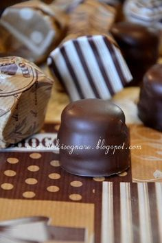 I cuneesi...finalmente! Croissant Recipe, Fudge Cake, Butter Dish, Biscotti, Italian Recipes, Buffet, Good Food, Sweets, Candy
