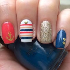 Nautical nails. So cute for summer. By Instagram's @Melissa Collado:
