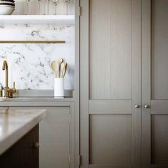 marmor backsplash und edelstahl platte
