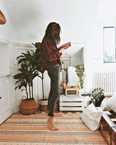 BDG Axyl Slim Straight Washed Black Jeans | Urban Outfitters | Women's | Jeans #urbanoutfitterseu via @itziaraguilera #UOEurope #UOonYou