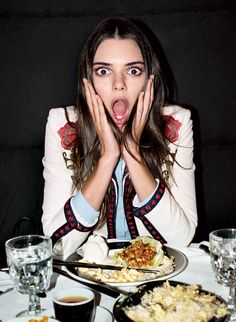 Kendall Jenner Diet likes to incorporate a great deal of lean protein in her day by day count calories. Here are Kendall Jenner Diet, beauty secrets. Kendall Jenner Met, Kendall Jenner Outfits, Sexy Lingerie, Smoothies, Time Restricted Eating, Blood Type Diet, Fad Diets, Good Fats, Snacks