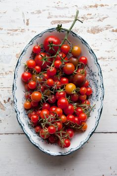 Seasonal recipes and photography Amazing Food Photography, Food Photography Styling, Food Styling, Antipasto, Fruit And Veg, Fruits And Veggies, Vegetables Photography, Tomato Vegetable, Best Appetizers
