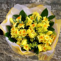 M10 Bouquets 173 © Zara Dalrymple by Zara Flora, via Flickr  http://www.zaraflora.com  #follow @zaraflora & @mothersflowers