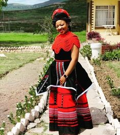 African Party Dresses, African Wedding Attire, African Dresses For Women, African Print Dresses, African Attire, South African Traditional Dresses, Traditional Outfits, Traditional Weddings, Xhosa Attire
