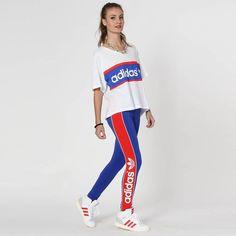 Calça Legging Adidas Originals City Ldn; Composição: 95% algodão / 5% elastano; Tecido: Malha simples; Cós macio, costuras reforçadas, material confortável; Listras e logo laterais em destaque.