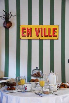 Städtereisen mal anders - Frühstückstisch im B&B von Azzurra und Zena in Turin