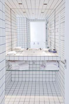 La Maison Champs Elysées Hotel by Maison Martin Margiela in Paris. WOW. That bathroom is SICK.