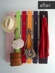 Pallet with hooks