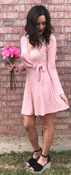 stylish spring outfits /  Pink Dress / Black Platform Sandals