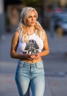 Lana (CJ Perry) in Tight Star Wars Tee and Jeans in Los Angeles Lana Wwe, Cj Perry, Wrestlemania 29, Mom Jeans, Skinny Jeans, Wwe Female Wrestlers, Celebrity Updates, Wrestling Divas, Wwe Womens