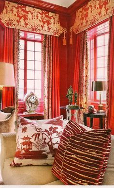 A bold red chinoiserie style salon! - A bold red chinoiserie style salon! Soft Furnishings, Chinoiserie, Home Decor Inspiration, Decor, Furnishings, Interior, Asian Decor, Red Rooms, Home Decor