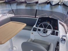 Swift Trawler 34 FLY - Demobåt 2014 | Beneteau motorbåtar