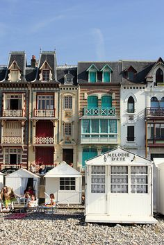 Mers les Bains, Somme, Picardy / Picardie, France http://www.helenbrenton.com/le-club-franglais/