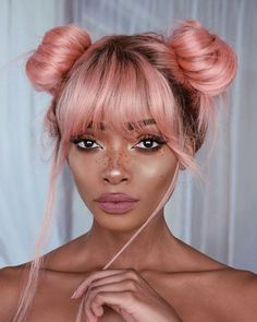 Love the pink hair, the freckles, she's adorable.