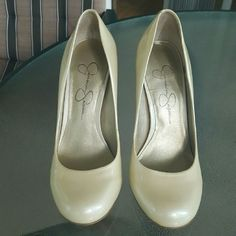 """Jessica Simpson """"Calie"""" Pumps Gorgeous pearlescent 4"""" pumps. No size tag but these are positively a size 6. They remind me of Marilyn with their sassy-classy shape :) Worn maybe 3 times and only issues are minor, on the backs of the heels. Jessica Simpson Shoes Heels"""