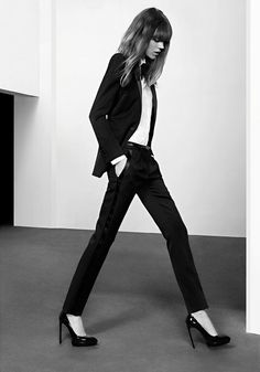 Besides this woman being a walking stick.this suit's amazing Freja Beha Erichsen by Hedi Slimane for Saint Laurent Pre-Fall 2013 ad _ Looks Street Style, Looks Style, Style Me, Daily Style, Style Hair, Look Fashion, High Fashion, Womens Fashion, Milan Fashion