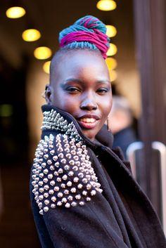 Creative Diva Love Natural, Natural Hair Styles, Natural Beauty, Funky Hairstyles, Beautiful Hairstyles, Yarn Dreads, Dreadlocks, Dreadlock Rasta, Make Up