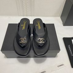 Chanel Brand, Womens Flip Flops, Chanel Shoes, Slippers, Gucci, Woman, Sandals, Casual, Summer