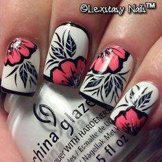 Uñas con flores - Nails with flowers Fabulous Nails, Gorgeous Nails, Pretty Nails, Nail Polish Designs, Cute Nail Designs, Pedicure Designs, Creative Nail Designs, Gel Polish, Cute Nail Art