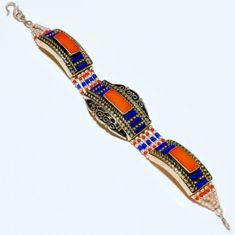 Armband mit Koralle & Lapislazuli  Breite ca. 30 mm  Länge ca. 20,5 cm  Hakenverschluss  265 Karat  Tibet-Silber  Handgefertigt in Indien #JOY #Einzelstücke #Handgefertigt #Koralle #Lapislazuli #Armband #Einzelstück #coral #Bracelet #handmade #handmadejewelry #jewelry #Geschenk #Geschenkidee #gift #Lifestyle #fashion #onlineshopping #schmuckliebe #außergewöhnlich #sehenswert Tibet, Beaded Bracelets, Product Description, Jewelry, Indian, Coral Jewelry, Handmade Jewelry, Bangle, Armband