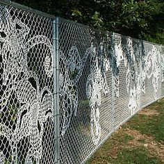 5 Ways to Dress Up a Chain-Link Fence