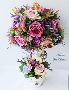 Купить или заказать Топиарий 'Сиреневый вечер' в интернет-магазине на Ярмарке Мастеров. Друзья, рада представить вашему вниманию новое деревце 'Сиреневый вечер'. Выполнено из текстильных цветов, красивейших роз. использована искусственная зелень, металлическая цепочка и клеточка, декоративная…