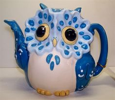 Owl pour the tea, shall I? Tea Pot Set, Pot Sets, Tea Cup Saucer, Tea Cups, Teapot Cookies, Owl Kitchen, Cute Teapot, Teapots Unique, Cafetiere