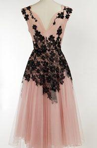 Pretty pink net gown with black appliqued floral lace. This screams Kelsey. Mode Vintage, Vintage Wear, Vintage Looks, Vintage Dresses, Vintage Outfits, Pretty Outfits, Pretty Dresses, Beautiful Outfits, Vintage Clothing Websites