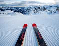 Motto of the day: My skis are calling and I must go! #TheCurv