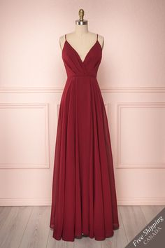 May 2020 - Aelis Burgundy Chiffon Pleated Plunging V-Neckline Gown Pretty Prom Dresses, Grad Dresses, Ball Dresses, Beautiful Dresses, Ball Gowns, Evening Dresses, Bridesmaid Dresses, Formal Dresses, Burgundy Gown