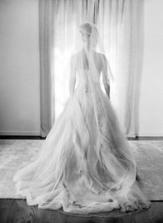 Bridal portrait: http://www.stylemepretty.com/2015/02/26/spring-santa-barbara-wedding-at-villa-sevillano-part-i/ | Photography: Jose Villa - http://josevilla.com/