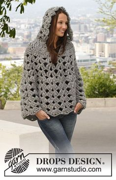Crochet DROPS poncho with hood in 1 thread Polaris or 2 threads Cloud. Size: S - XXXL. Free crochet pattern by DROPS Design. Crochet Hooded Scarf, Gilet Crochet, Crochet Cape, Crochet Poncho Patterns, Crochet Jacket, Crochet Scarves, Diy Crochet, Crochet Shawl, Crochet Clothes