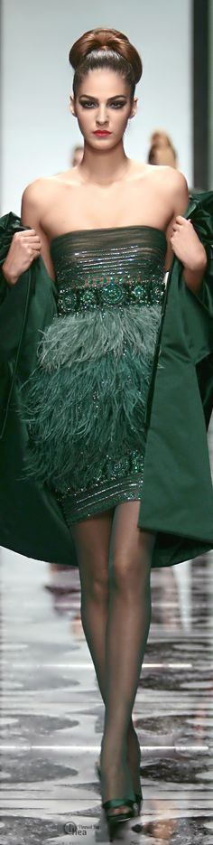 We love this Emerald Green Valentino look - very Carrie Bradshaw!