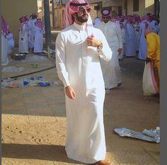 Hot Country Men, Arab Swag, Mens Clothing Styles, Men's Clothing, Handsome Arab Men, Muslim Men, Saudi Arabia, Beautiful Men, Charity